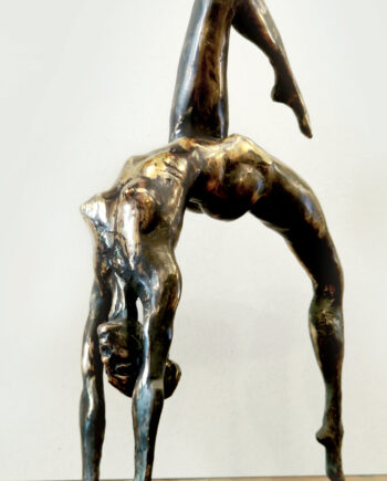 Taunokangro, akt, estonisnsculpture, woman, bridge, pose, nude